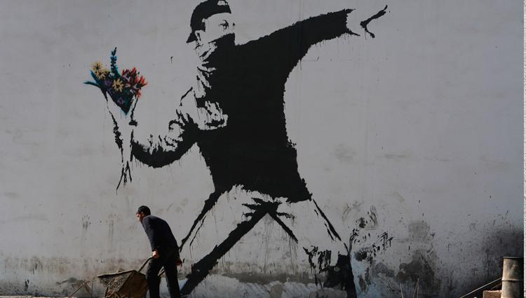 12-escritores-de-graffiti-que-debes-conocer-banksy3